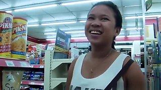 Busty teen Filipina girl fuc...