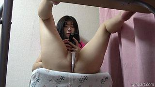 Hidden cam under desk caught my girlfriend cameltoe