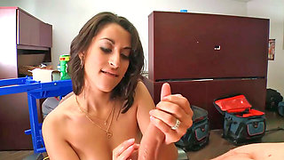 Attractive babe Jessi gives a hot and handjob to a lucky boss