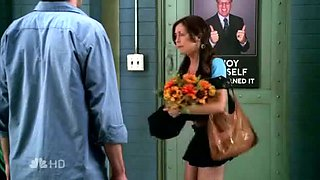 Hot tv actress up short black skirt public camera view
