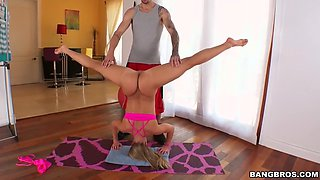 pawg acrobat candice dare does anal after a workout