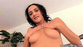 Eva Sinn seducing her gym trainee, blows up his rod and