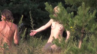 Naked babes are posing and getting voyeured on my cam sb4
