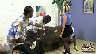 Two huge black dicks invade anus and pussy of nasty milf Dee Siren