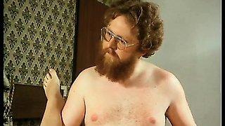 Bearded retro man enjoys a hairy pussy