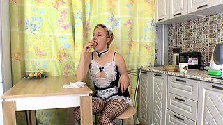 Kitchen pleasures with a stunning hairy maid
