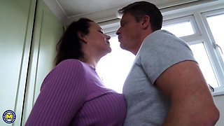 British housewife Eva Jayne fucking and sucking
