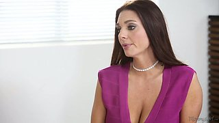 Awesome busty babe Mindi Mink is really into working on soaking pussy