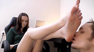 Kalee Toes And Heels Sucking