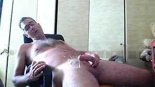 UK Penis, great cum old video, some one had posted it eleswh