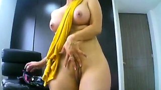 Indian girl fuck her pussy badly Json Porn