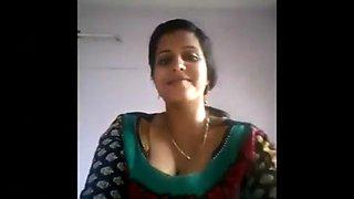 Indian aunty taking selfies and masturbates