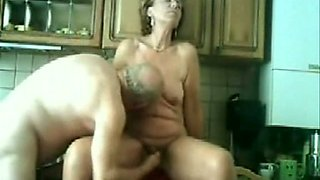 My mature and man fucking in our kitchen !!!