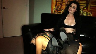 Sexy Slave Romi lets master Sovereign dominate her