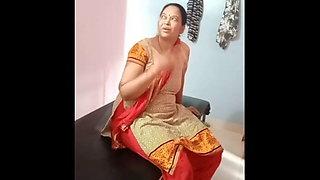 Indian aunty – hot ass massage