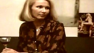 Deutsche Blondine in einem erotischen Vintage-Film