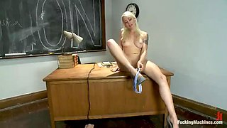 kinky blonde loves pleasing herself with machines